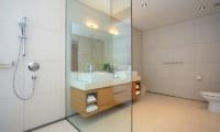 Sava Beach Villas Villa Amarelo Bathroom | Natai, Phang Nga
