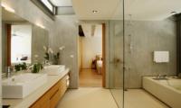 Sava Beach Villas Villa Essenza Bedroom and En-suite Bathroom | Natai, Phang Nga