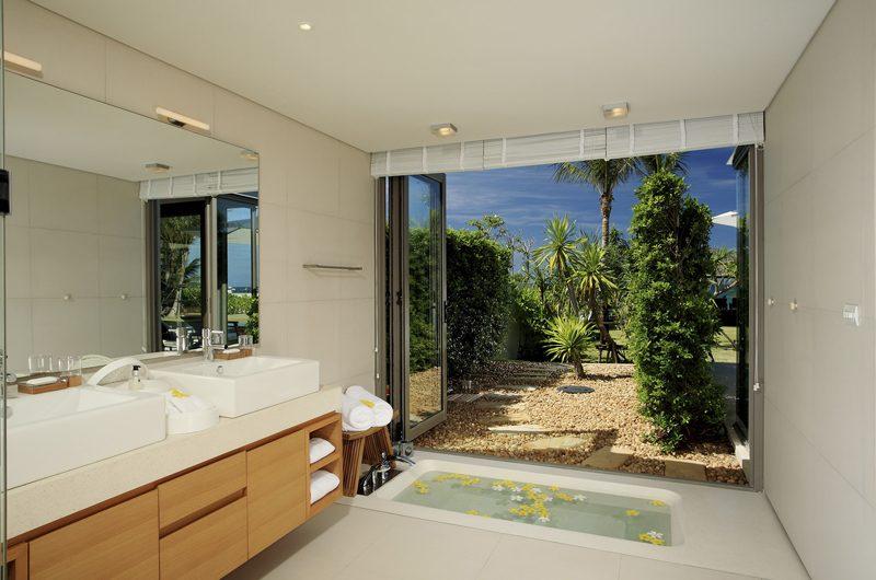 Sava Beach Villas Villa Malee Sai En-suite Bathroom | Natai, Phang Nga