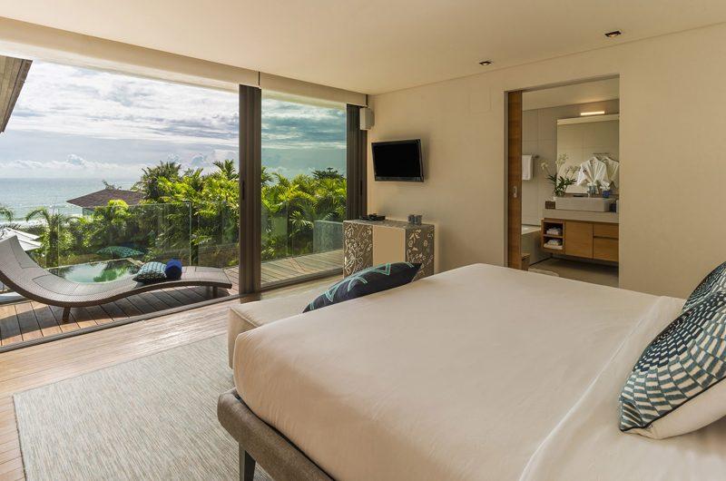 Sava Beach Villas Villa Roxo Bedroom and En-suite Bathroom   Natai, Phang Nga