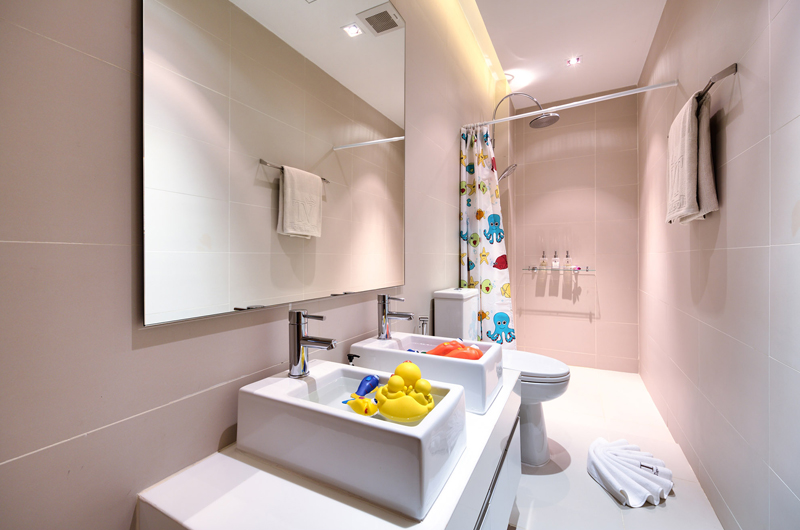 Sava Beach Villas Villa Tievoli Kids Bathroom | Natai, Phang Nga