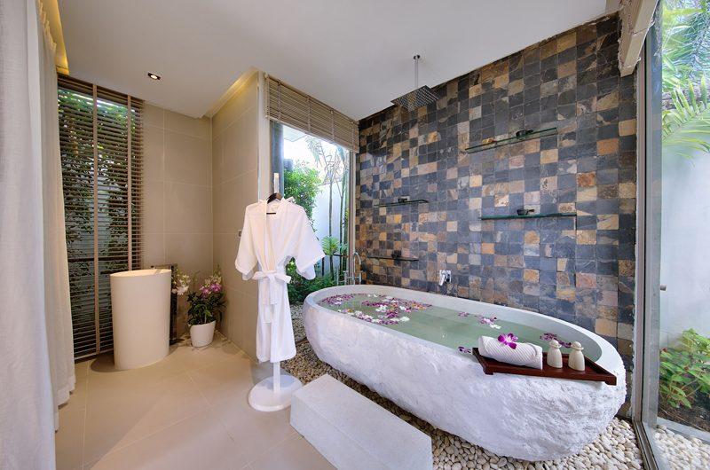 Sava Beach Villas Villa Tievoli Bathtub | Natai, Phang Nga