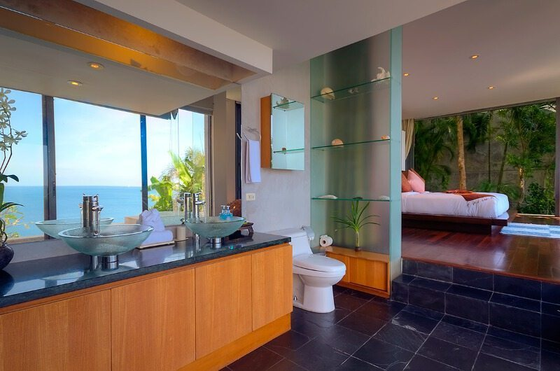 Villa Lomchoy Bedroom and En-suite Bathroom | Kamala, Phuket
