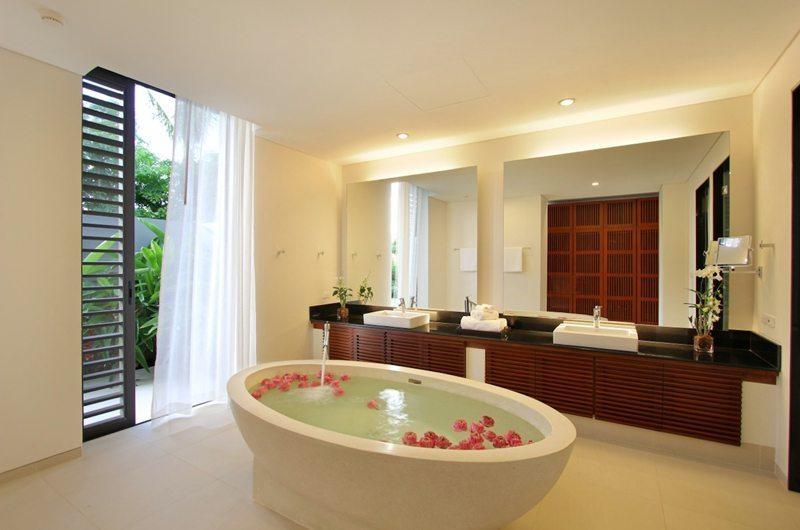 Villa Padma Master Bathroom | Phuket, Thailand
