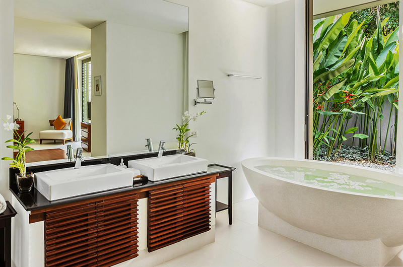 Villa Padma Stone Bathtub   Cape Yamu, Phuket