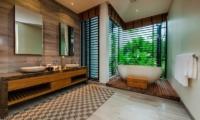 Villa Sawarin Master Bathroom | Phuket, Thailand