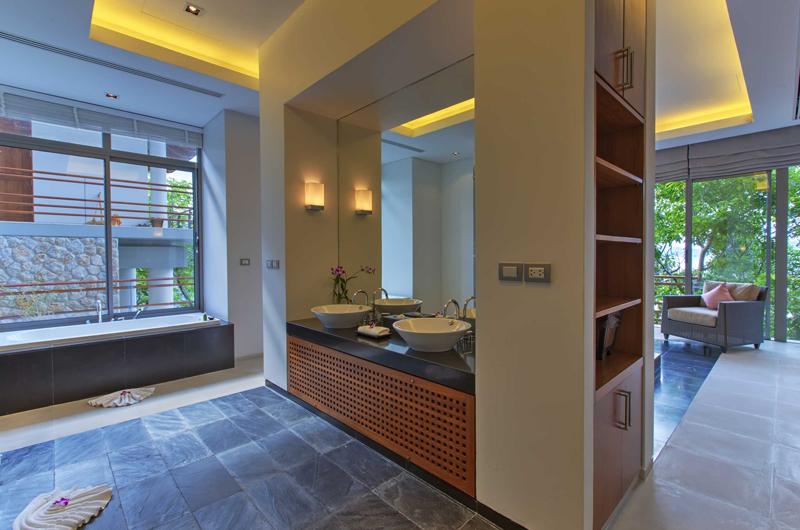 Villa Wang Nam Jai En-suite Bathroom | Kamala, Phuket