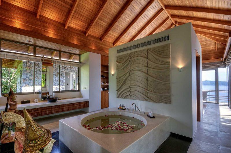 Villa Wang Nam Jai Bathroom with Bathtub | Kamala, Phuket