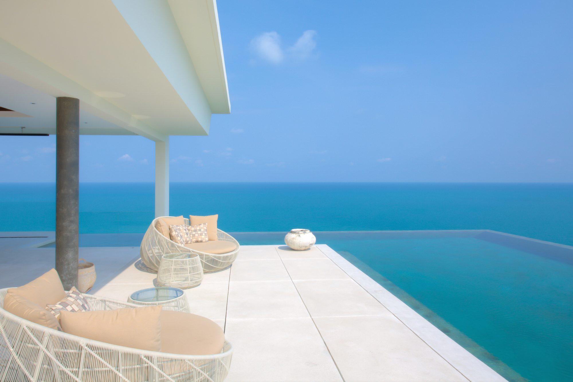 8 Villas With Amazing Views