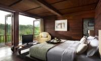 Villa Kamaniiya Bedroom and Balcony | Ubud, Bali