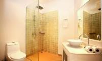 Baan Khwam Rak Bathroom | Koh Samui, Thailand