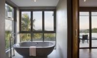 Suralai Bathtub | Koh Samui, Thailand
