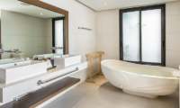Villa Manola Bathroom with Bathtub | Koh Samui, Thailand