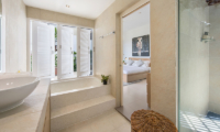 Villa Mullion Cove Bathroom with Bathtub | Bophut, Koh Samui