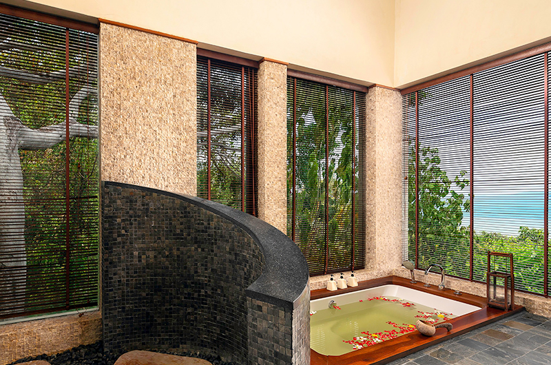 Villa Sila Varee Bathtub Area | Laem Set, Koh Samui