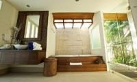 Baan Ban Buri Bathroom  Koh Samui, Thailand