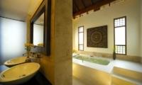 Baan Chao Lay Bathroom|Koh Samui, Thailand