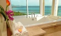 Villa Akira Bathroom| Koh Samui, Thailand