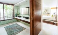 Villa Hin Samui Bedroom and En-suite Bathroom   Bophut, Koh Samui