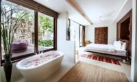Villa Hin Samui Bedroom and Bathtub   Bophut, Koh Samui