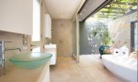 Villa Kohia Bathroom |Koh Samui, Thailand