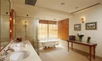 Baan Taley Rom En-suite Bathroom | Phuket, Thailand
