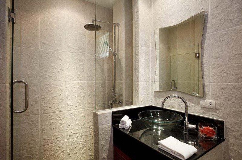 Laguna Waters Bathroom |Phuket, Thailand