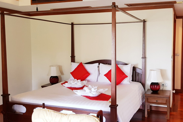 Villa Cattleya C5A Spacious Bedroom with Four Poster Bed | Patong, Phuket