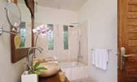 Villa Beji Seminyak Bathroom|Seminyak, Bali
