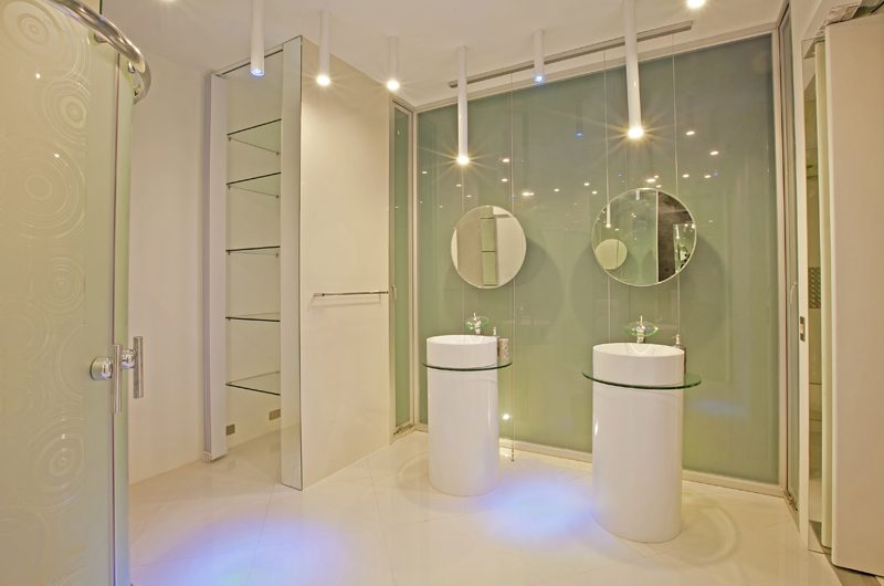 Villa Minggu Bathroom One | Seminyak, Bali