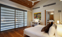 Sava Beach Villas Villa Cielo Bedroom and En-suite Bathroom | Natai, Phang Nga