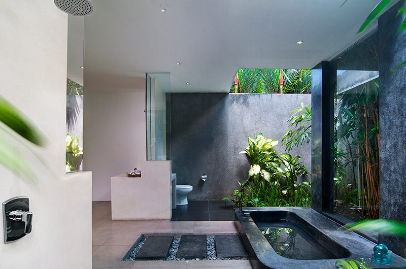 Villa Alice Dua Bathtub | Seminyak, Bali