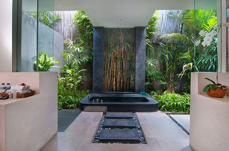 Villa Alice Dua Bathtub Area | Seminyak, Bali