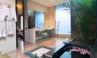 Villa Alice Satu Bathtub Area | Seminyak, Bali
