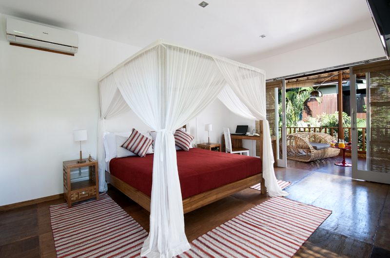 Villa Hari Bedroom and Balcony | Seminyak, Bali