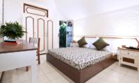 Villa Hari Bedroom with Study Table | Seminyak, Bali