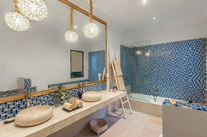 Villa Sea Bathroom|Seminyak, Bali