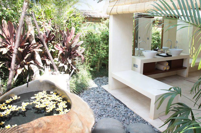 Dea Villas Villa Amy Bathtub | Canggu, Bali