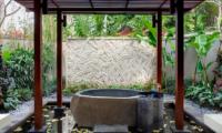 Dea Villas Villa Sati Bathtub | Canggu, Bali