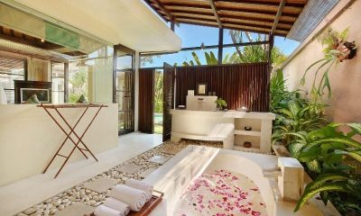 The Bli Bli Villas Master Bathroom | Seminyak, Bali