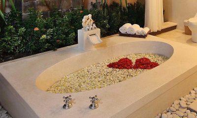 The Bli Bli Villas Bathtub | Seminyak, Bali