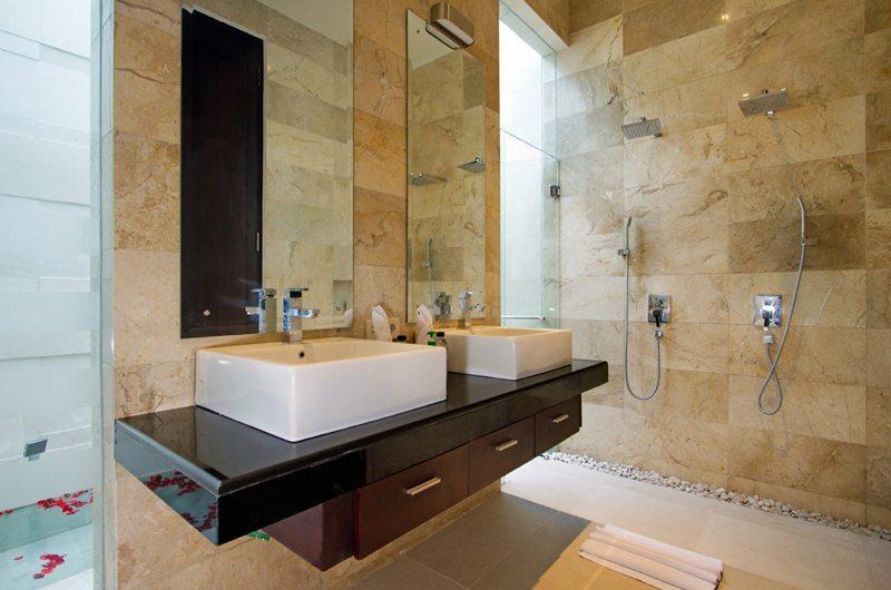 Villa Portsea En-suite Bathroom | Petitenget, Bali