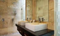 Villa Portsea Bathroom | Petitenget, Bali