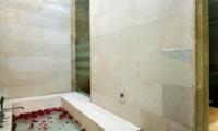 Villa Portsea Master Bathroom | Petitenget, Bali
