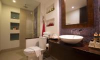 Baan Ban Buri Bathroom with Shower   Bophut, Koh Samui