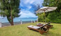 The Emerald Beach Villa 4 Beachfront | Bang Por, Koh Samui