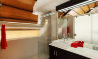 Villa Sapna Bathroom with Shower | Cape Yamu, Phuket