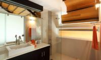 Villa Sapna Spacious Bathroom   Cape Yamu, Phuket