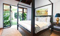 Villa Iluka Bedroom with Lamps | Seminyak, Bali
