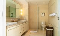 Villa Iluka Bathroom | Seminyak, Bali